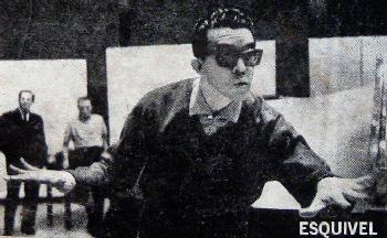 esquivel_portait_350_alexander-ach-schuh_glasses