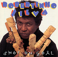 robertinho-silva_shot-on-goal_1995